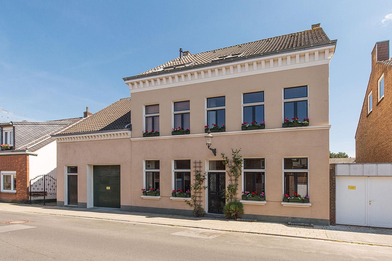 Wilhelmstrasse 4, 46446 Elten Emmerich - € 425.000,-