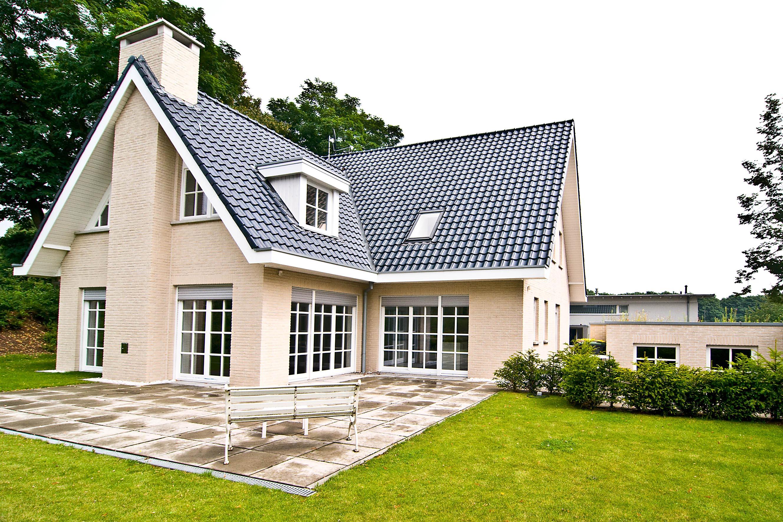 Makelaar voor huizen in o a emmerich kleve isselburg elten for Makelaar huizen